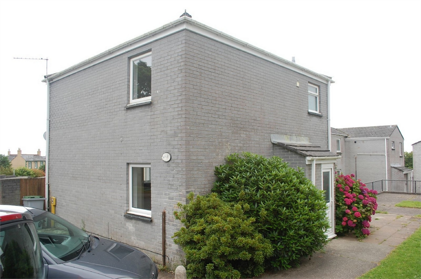 L Shaped Shower Bath Suite 3 Bedroom End Of Terrace House For Sale In St Austell
