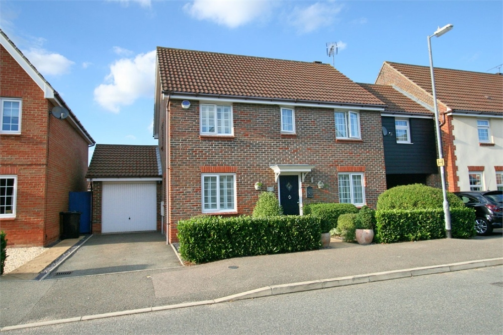 Bedroom detached house for sale in maldon