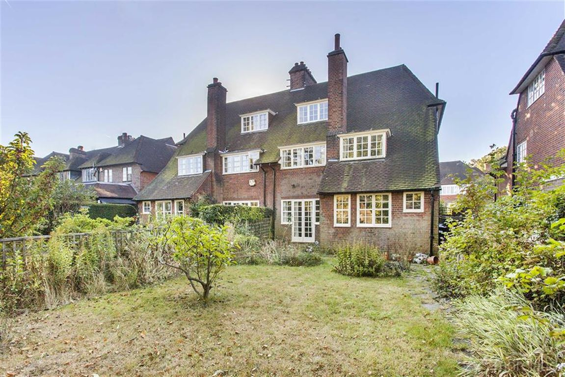 Hampstead Garden Subarb Property For Sale