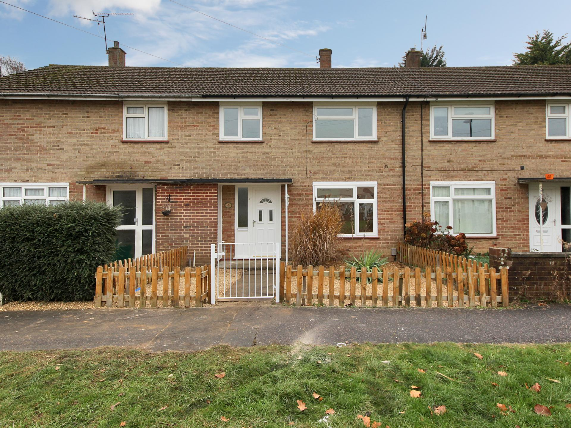 Property For Sale In Ifield Green