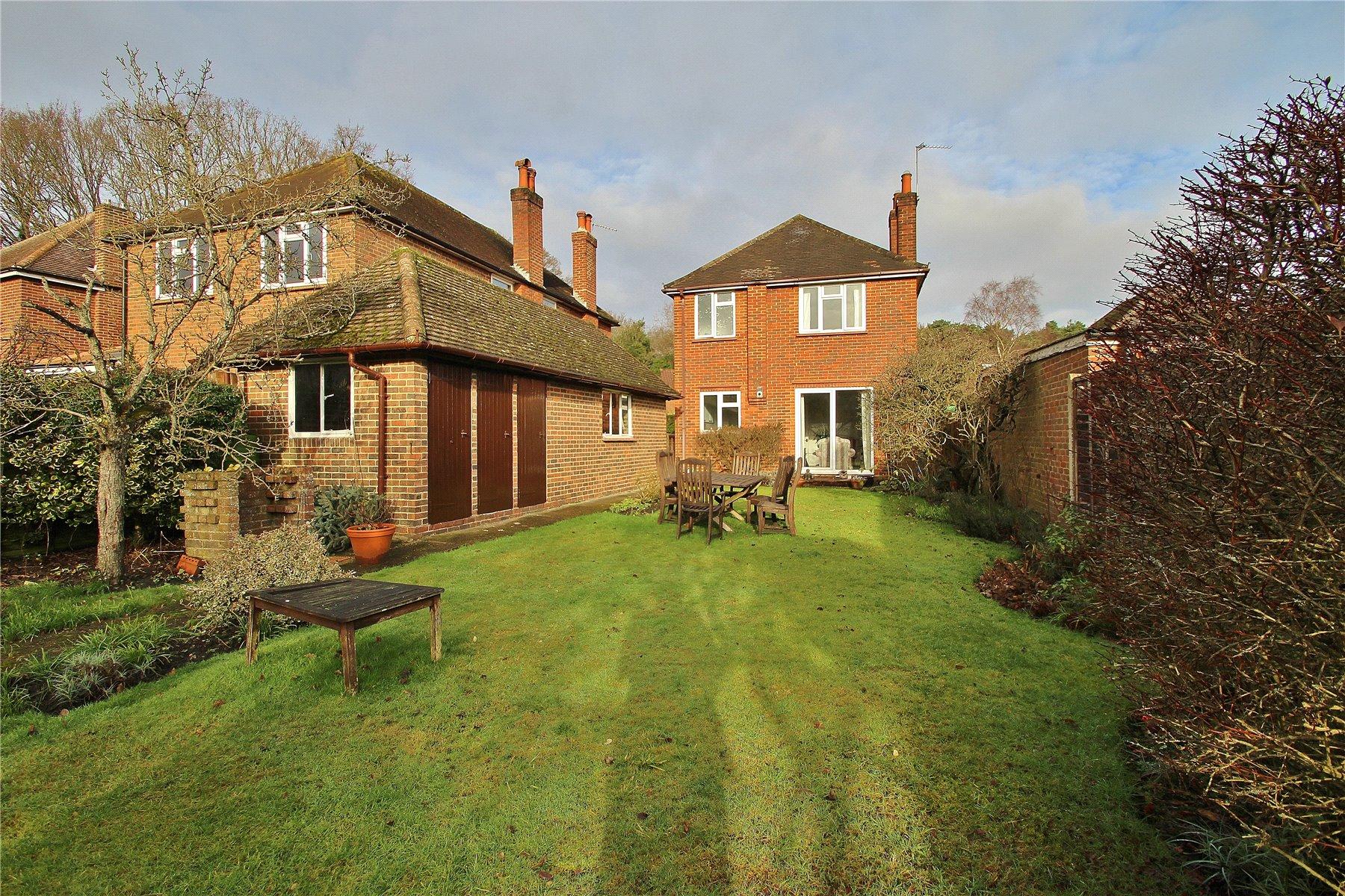 3 Bedroom Detached House For Sale In Surrey