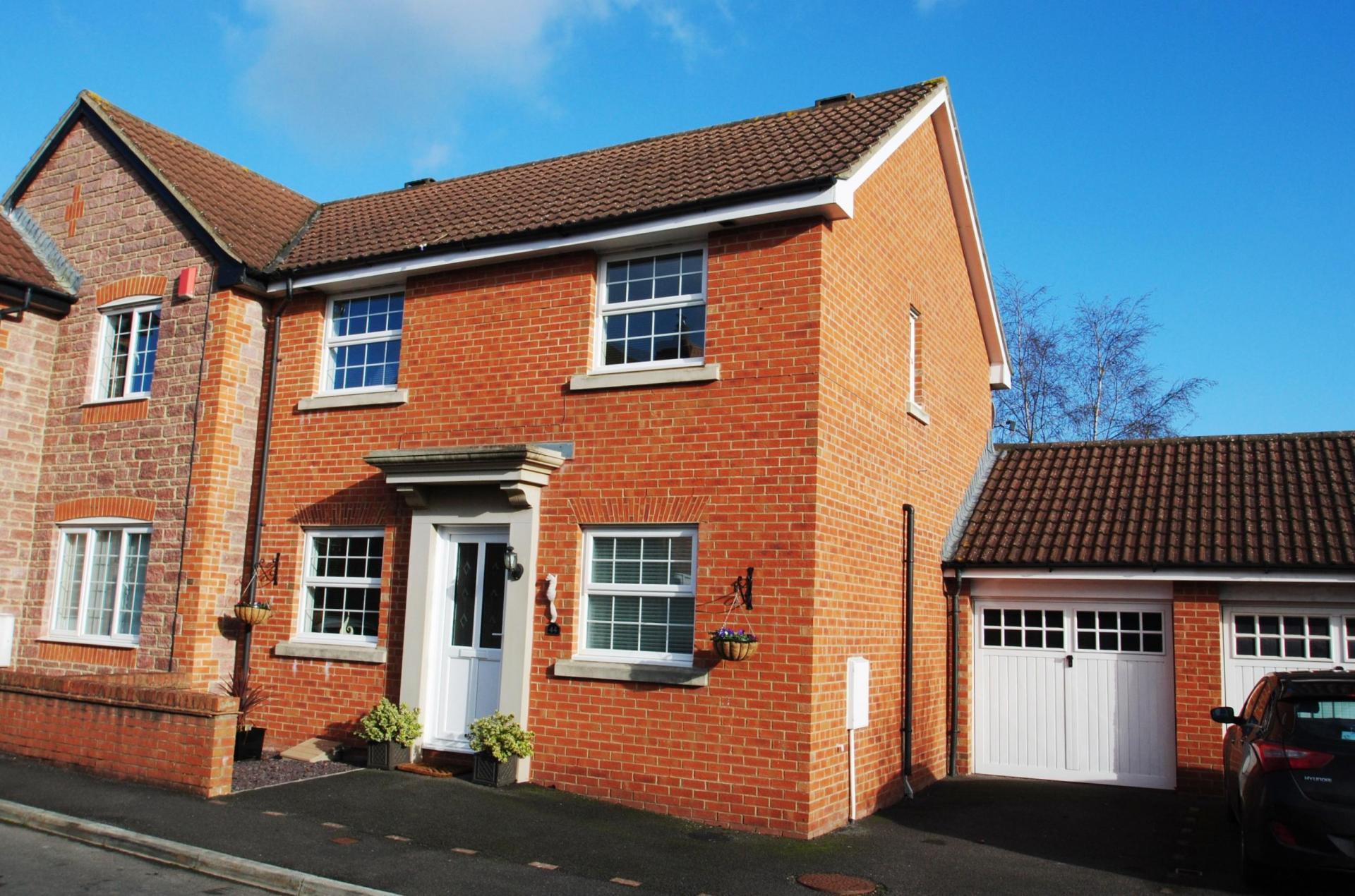 Property For Sale In Waterleaze Taunton
