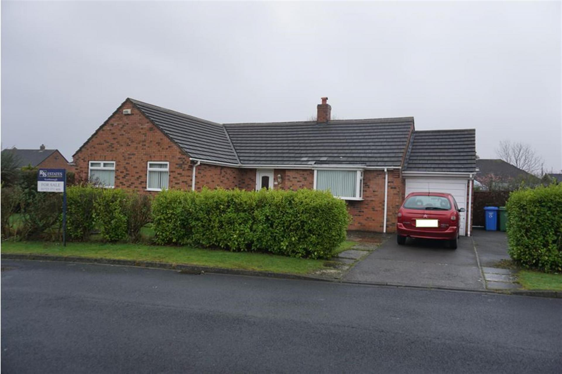 2 bedroom detached bungalow for sale in north yorkshire for Log cabins for sale north yorkshire