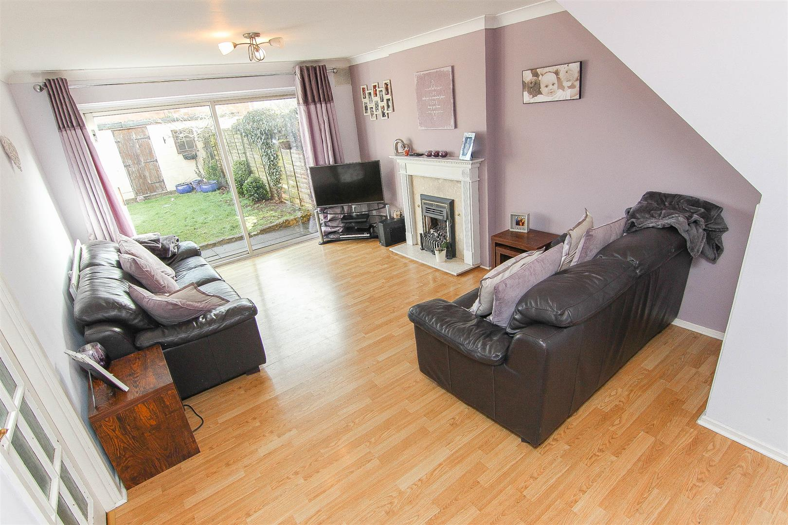 4 Bedroom Semi-Detached House For Sale In Leamington Spa