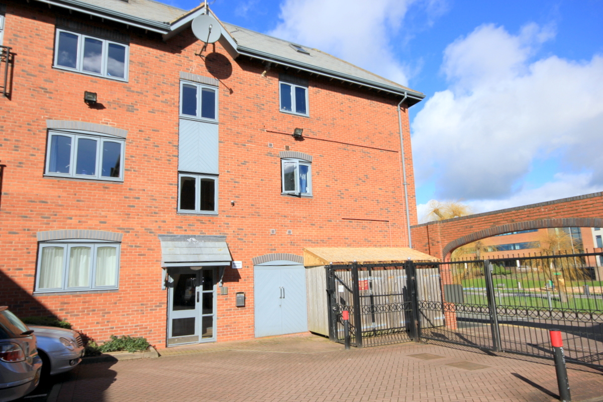 1 Bedroom Apartment Studio For Sale In Stafford