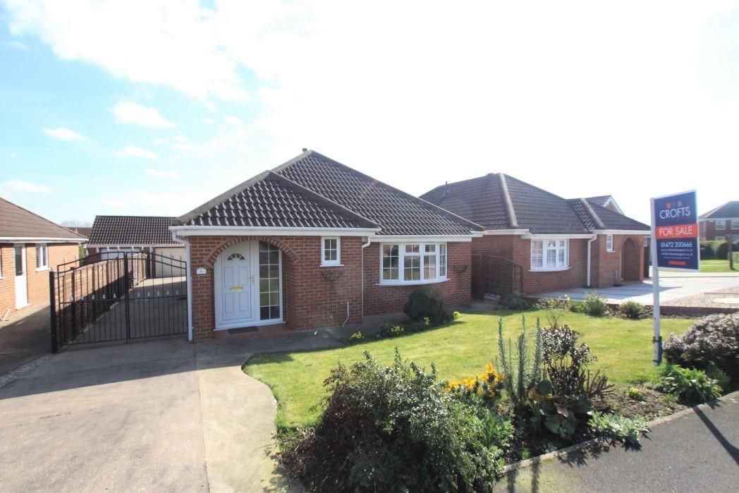 2 Bedrooms Bungalow for sale in CATTISTOCK ROAD, CLEETHORPES