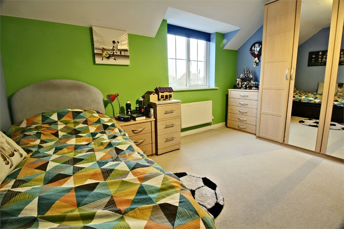 Bedroom link detached house for sale in cambridge