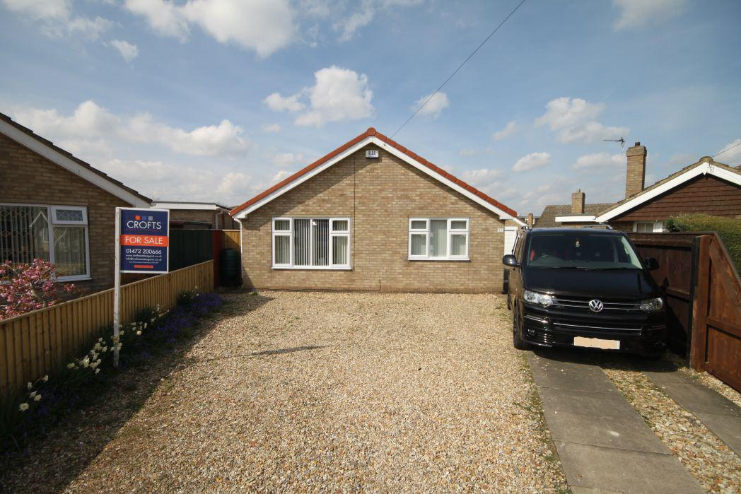 2 Bedrooms Bungalow for sale in HOLTON COURT, HOLTON LE CLAY