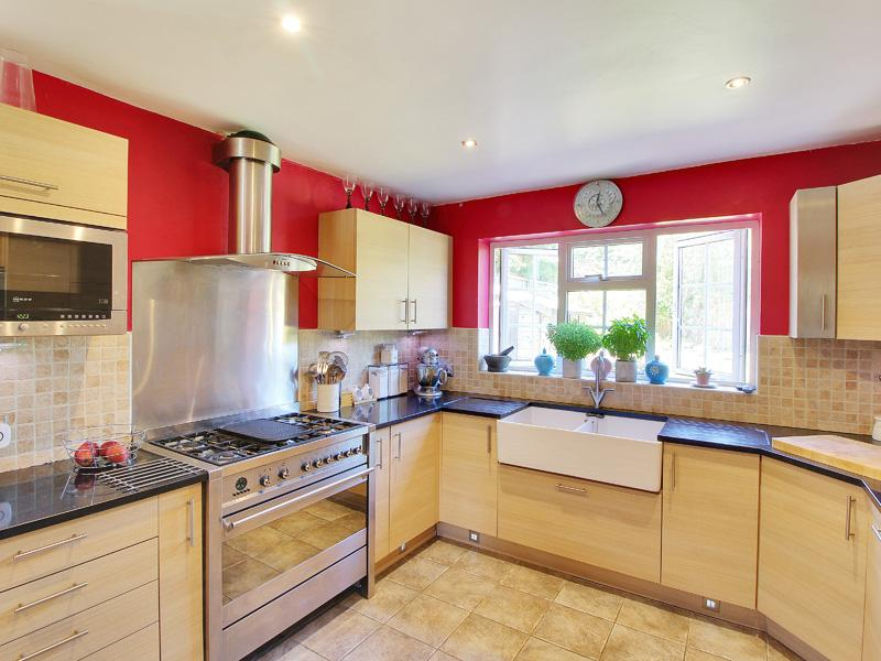 Bedroom detached house for sale in crawley down
