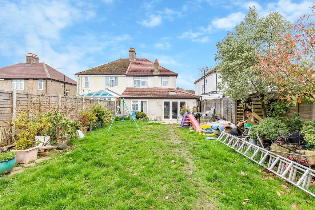 4 Bedroom Semi Detached House For Sale In Sanderstead