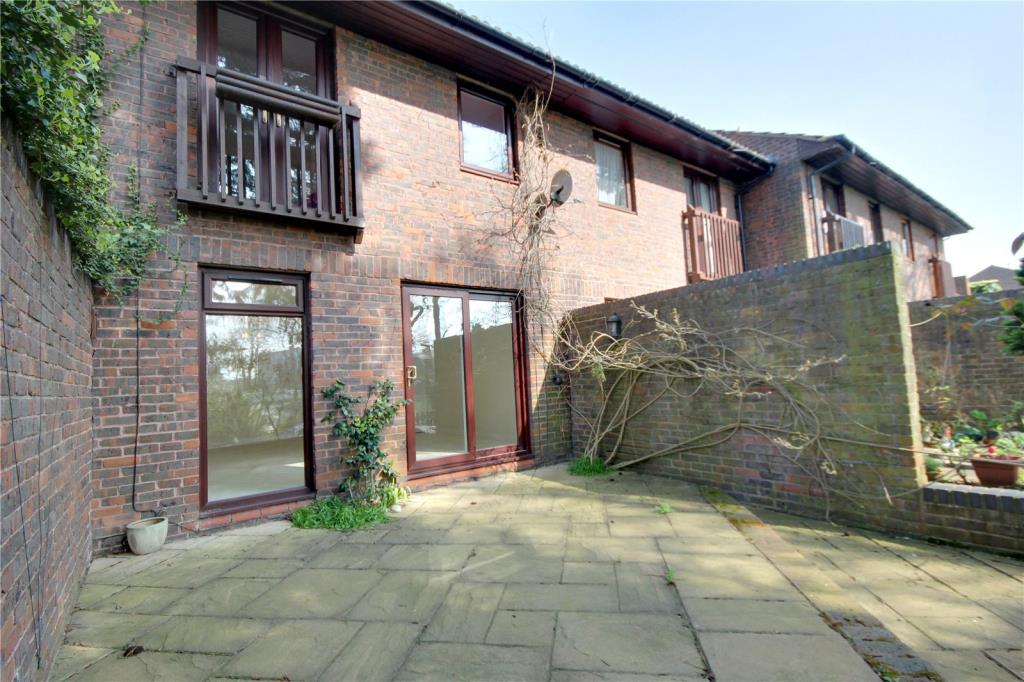 3 Bedroom Terraced House For Sale In Surrey