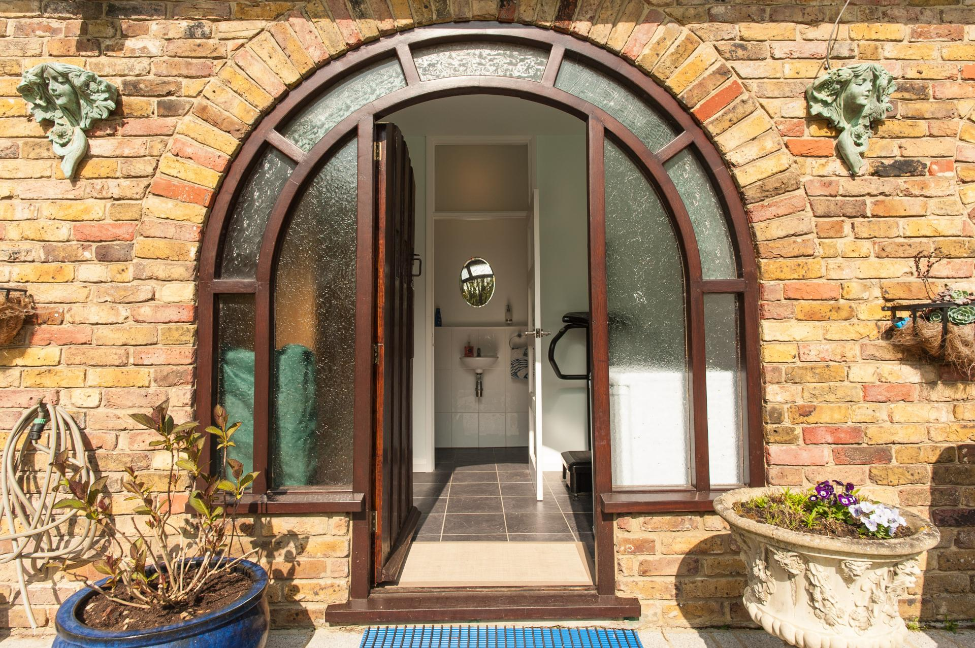 4 Bedroom House For Sale In Wraysbury