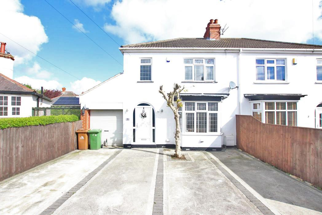 3 Bedrooms Semi Detached House for sale in PORTLAND PLACE, GRIMSBY