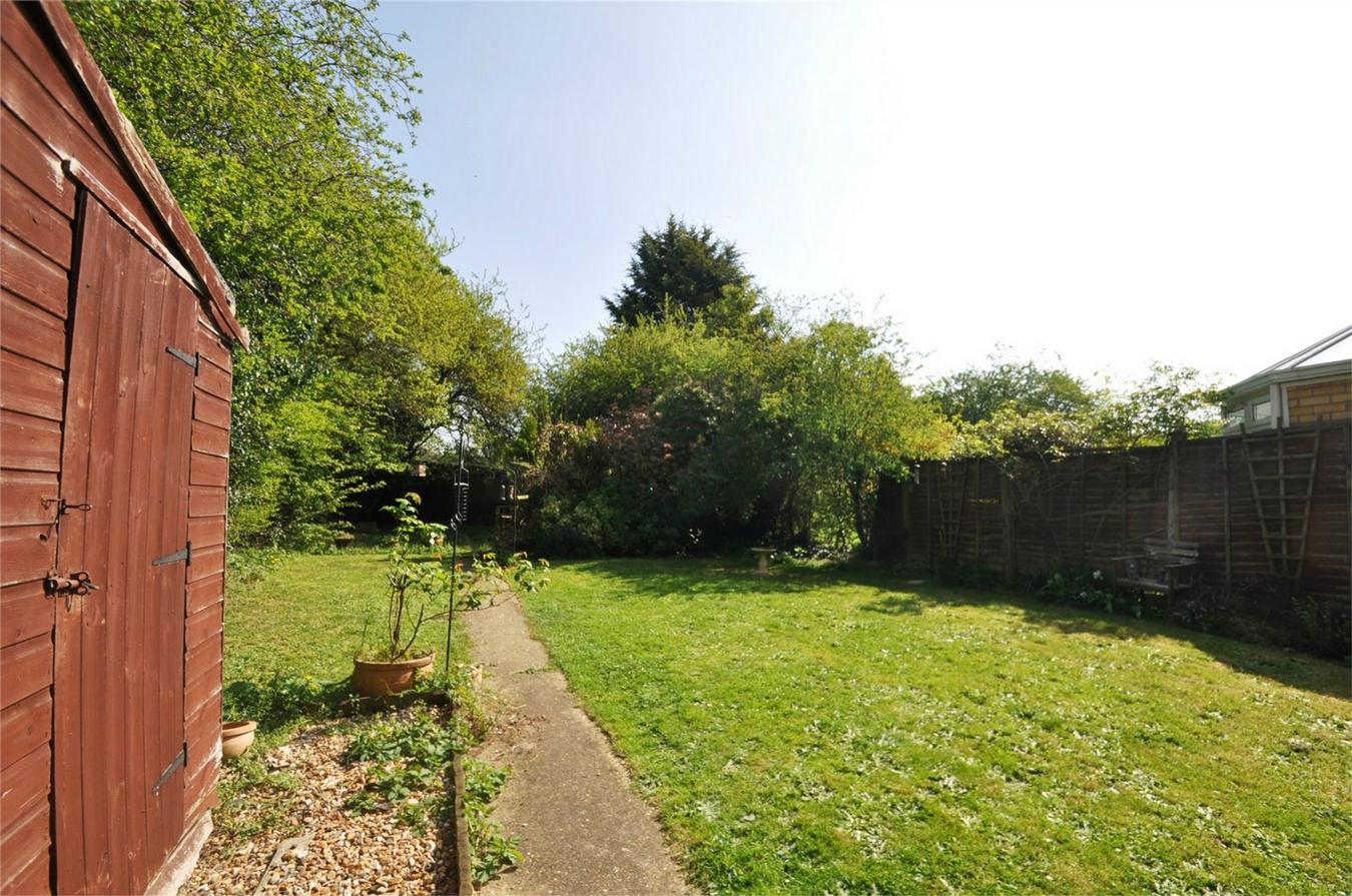 3 Bedroom Semi Detached House For Sale In Welwyn Garden City