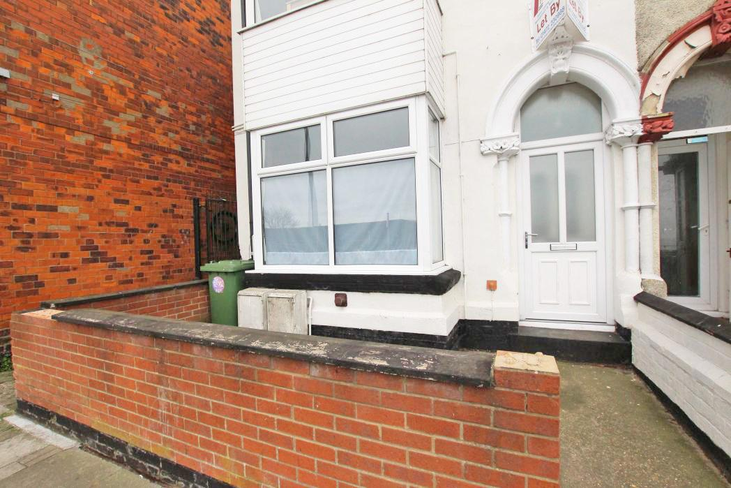 1 Bedroom Flat for sale in GRANT STREET, CLEETHORPES