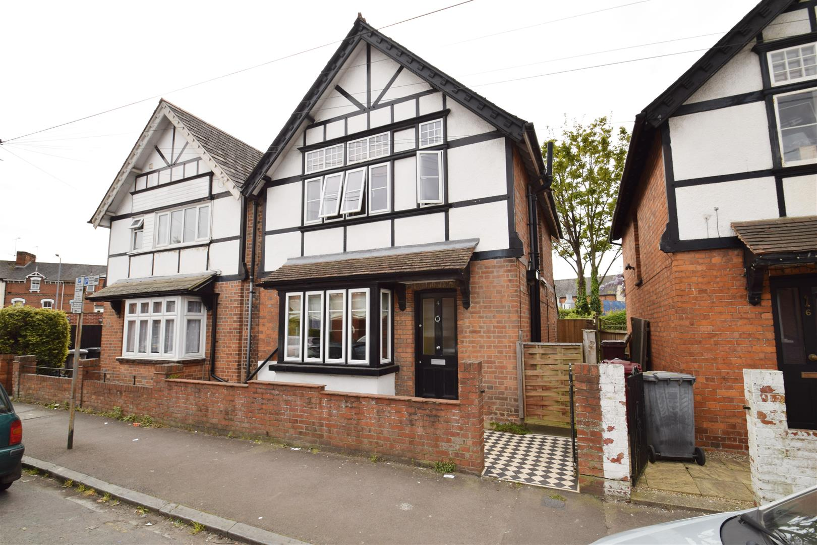 3 bedroom semi detached house for sale in reading for 3 bedroom houses to buy in reading
