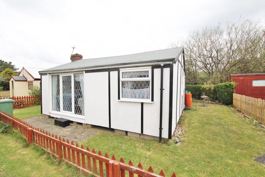 2 Bedrooms Bungalow for sale in 4TH AVENUE, HUMBERSTON FITTIES