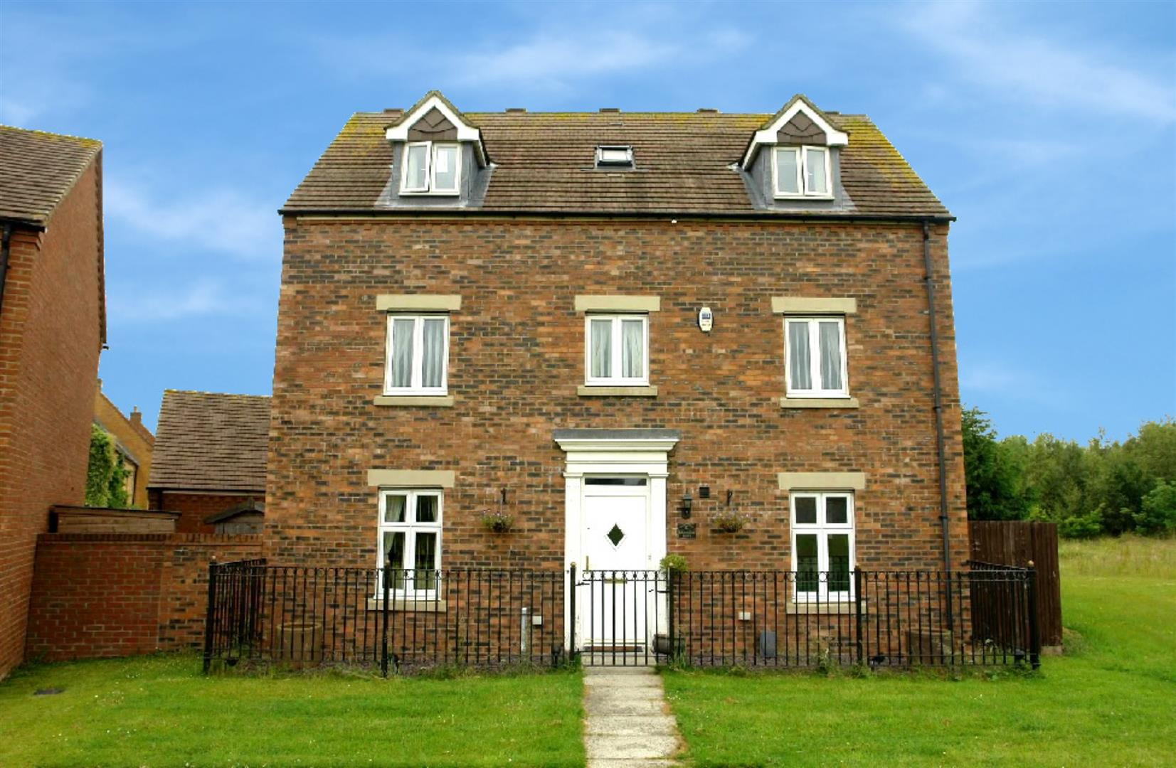 Bedroom detached house for sale in newcastle upon tyne