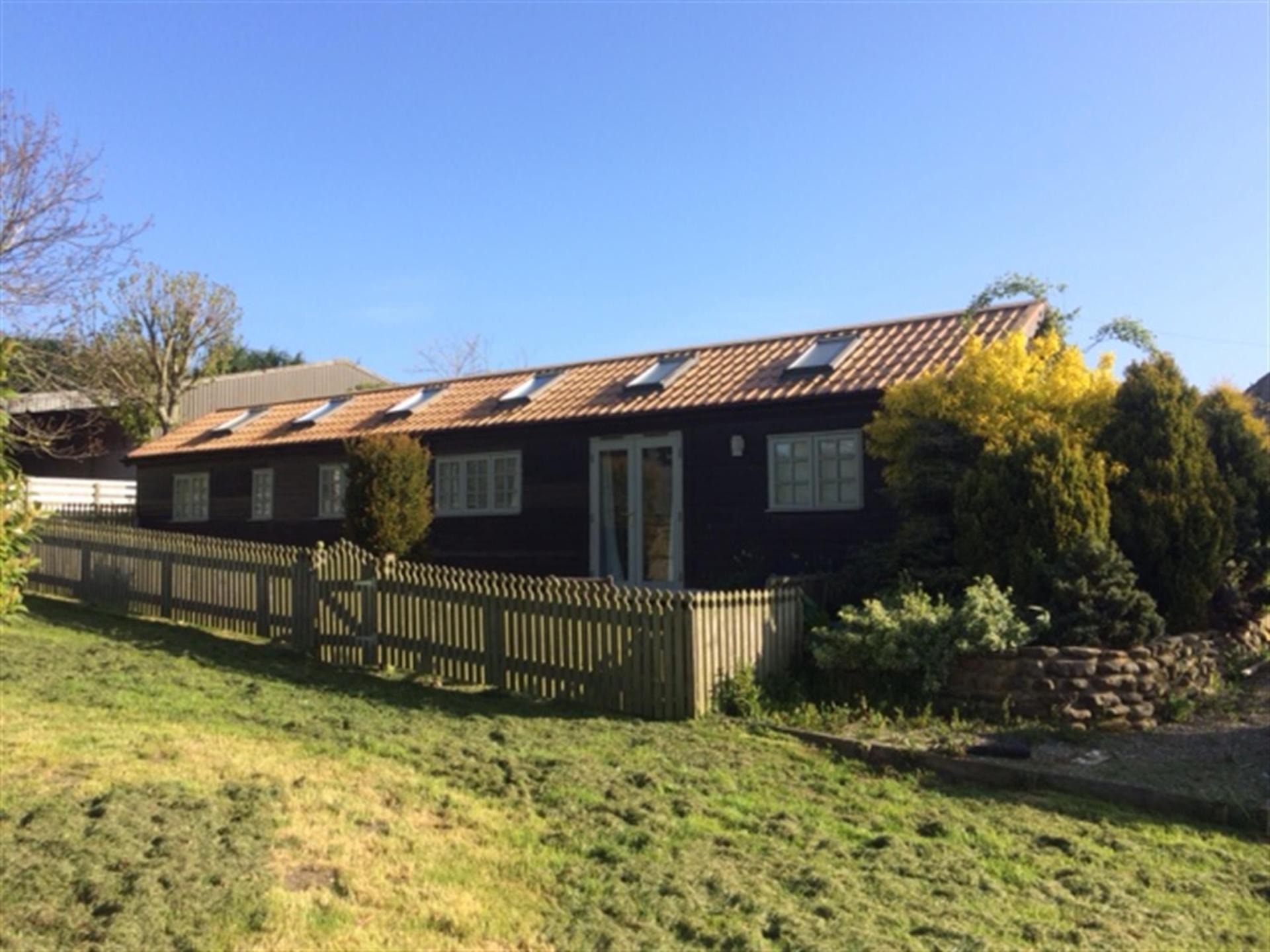 2 bedroom log cabin for sale in north yorkshire for Log cabins for sale north yorkshire