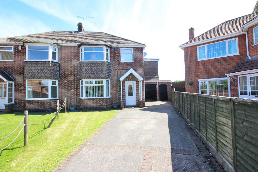 4 Bedrooms Semi Detached House for sale in EASTWOOD AVENUE, GRIMSBY