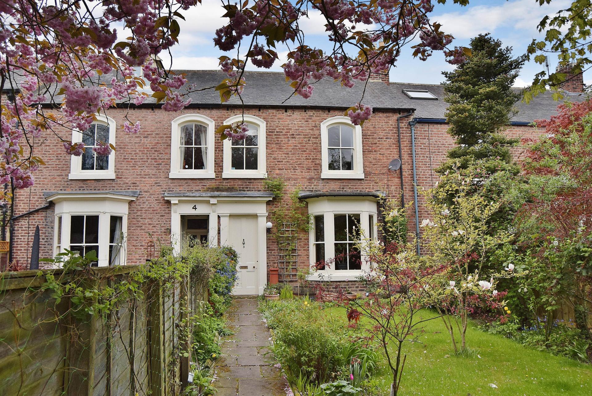 4 Bedrooms Terraced House for sale in Hextol Terrace, Hexham