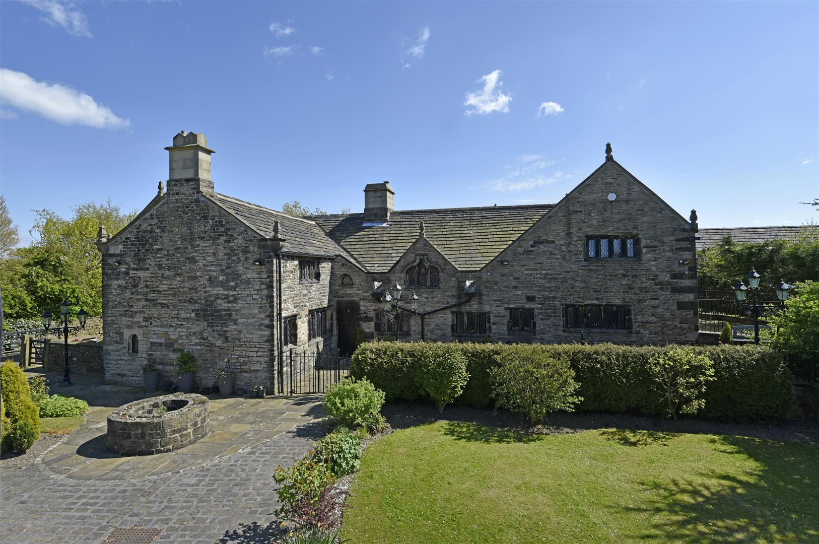 5 Bedroom Detached House For Sale In Halifax