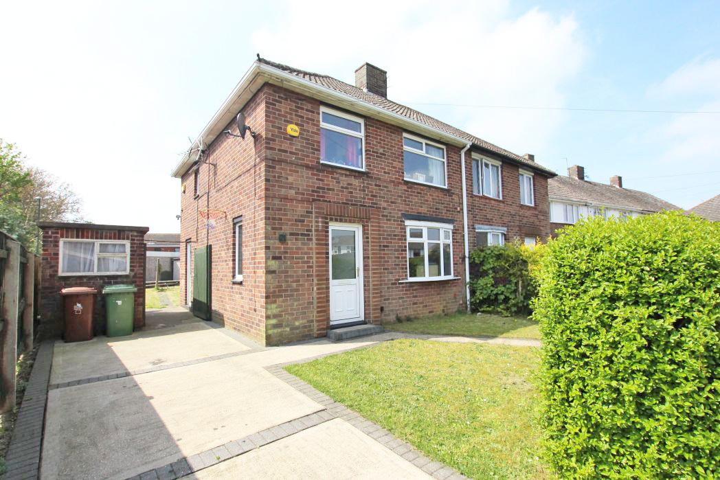 3 Bedrooms Semi Detached House for sale in MENDIP AVENUE, SCARTHO