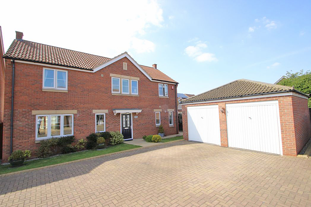 4 Bedrooms Detached House for sale in BERKELEY COURT, SCARTHO TOP