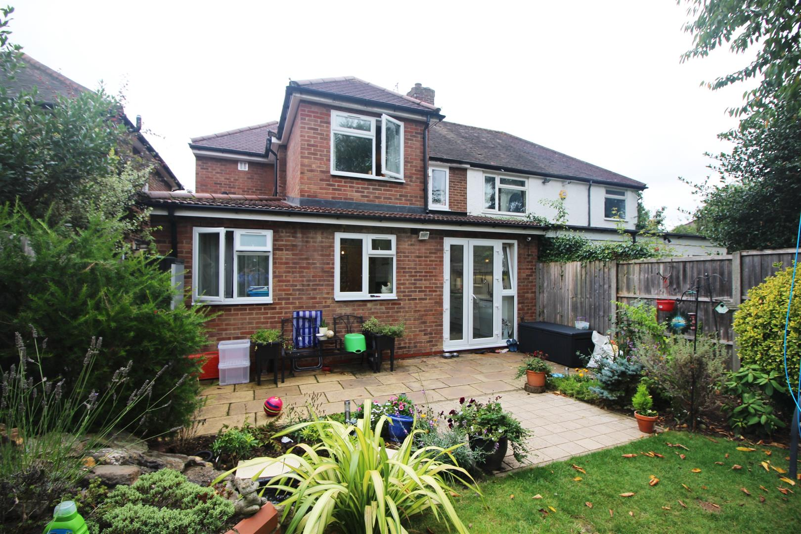 4 Bedroom Semi Detached House For Sale In Edgware