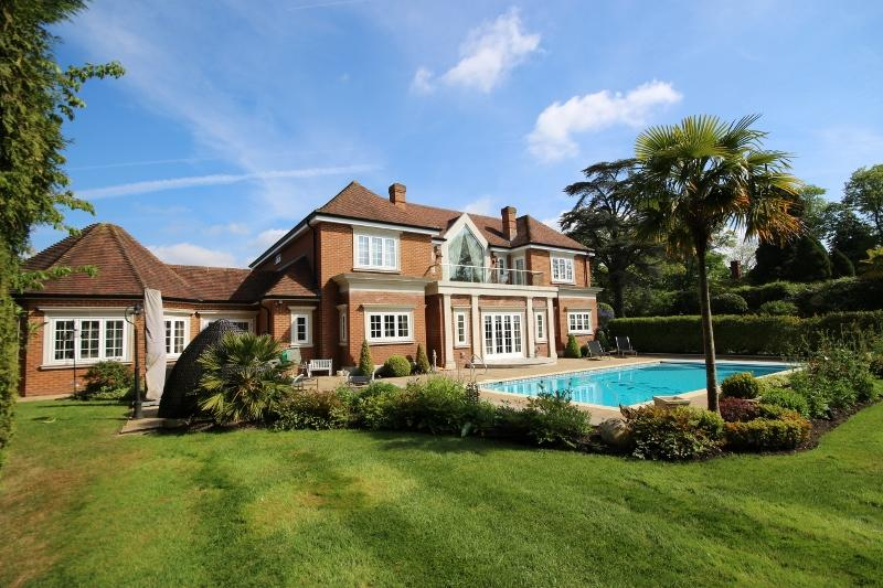 6 Bedroom Detached House For Sale In Haywards Heath