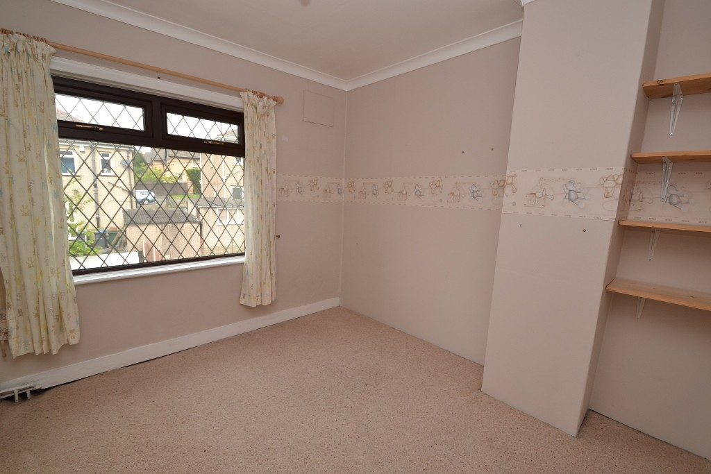 Bedroom semi detached house for sale in shipley