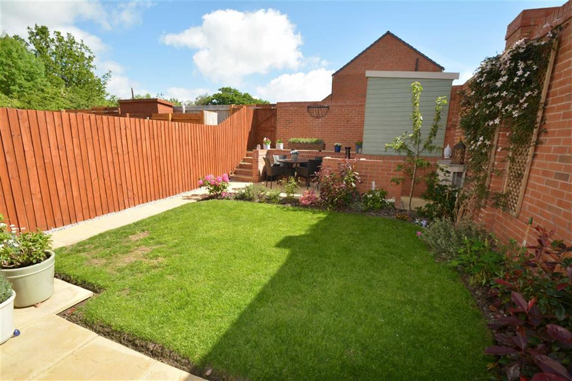 3 Bedroom End Of Terrace House For Sale In Buckley