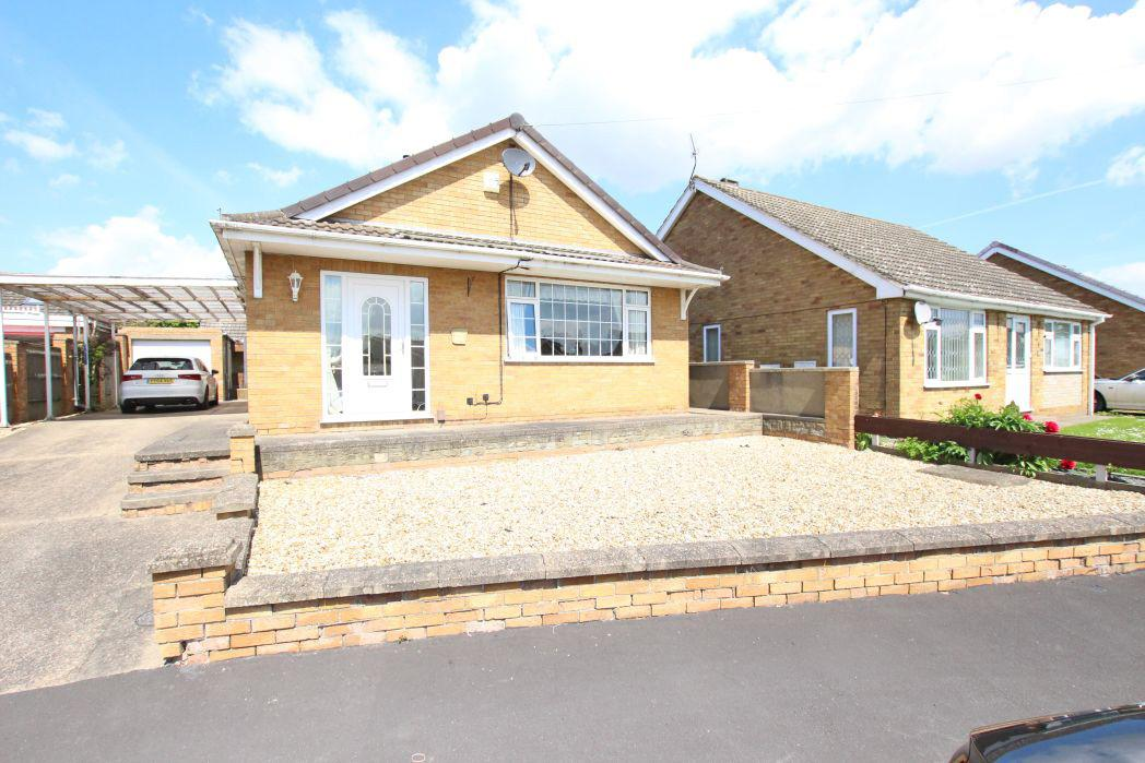 3 Bedrooms Bungalow for sale in ALDERNEY WAY, IMMINGHAM
