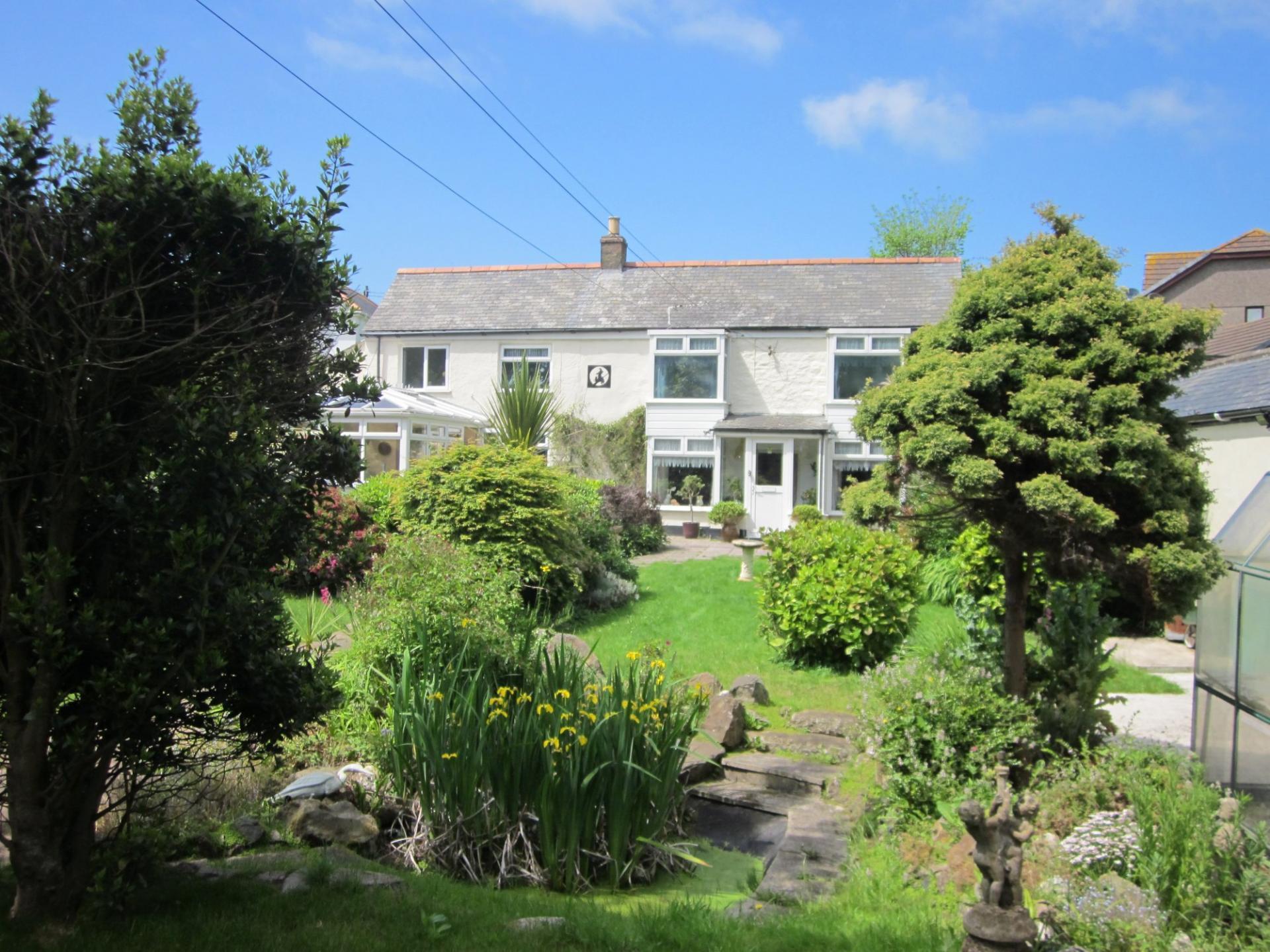 Property For Sale In Leedstown Hayle