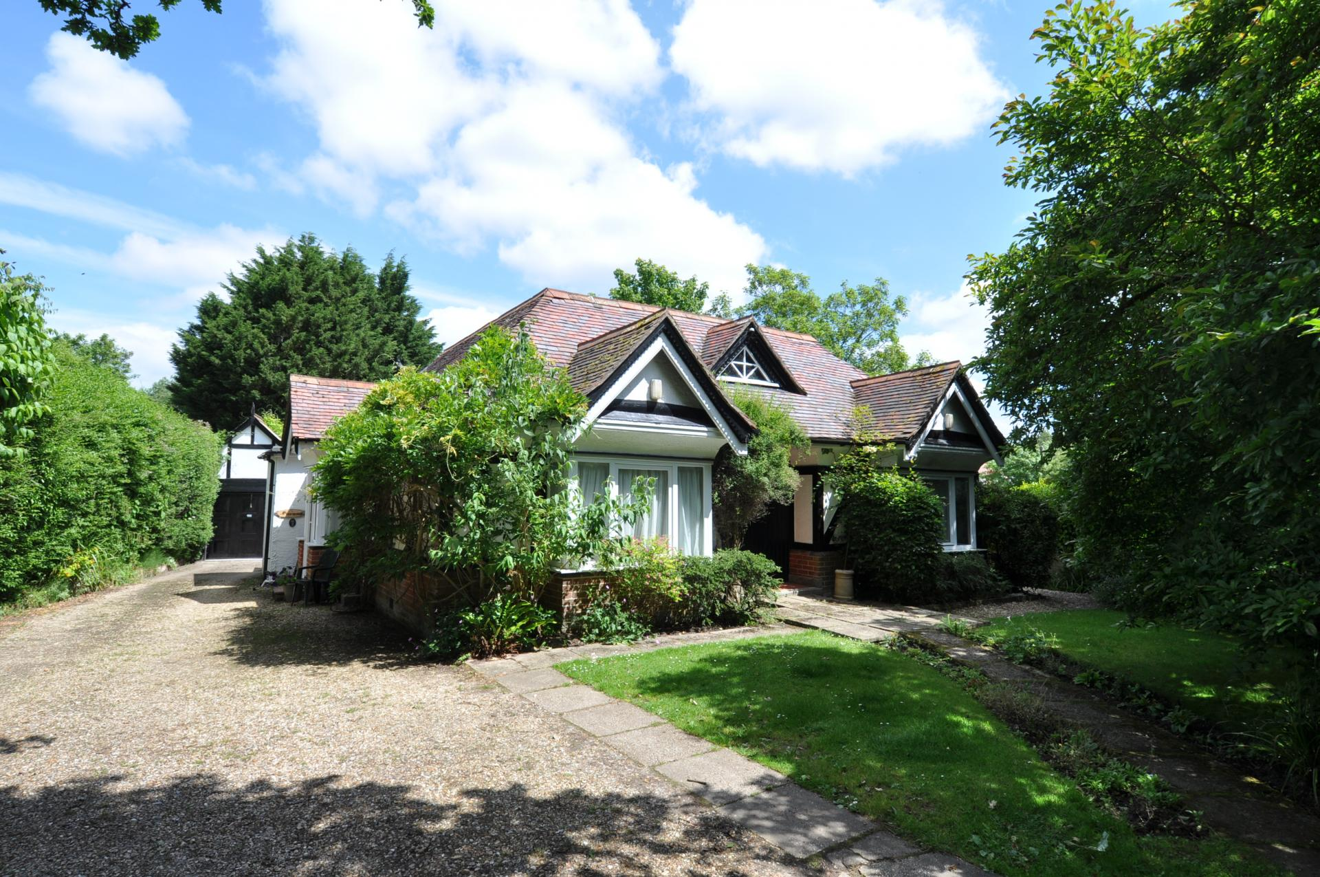4 Bedrooms Bungalow for sale in Lyndhurst