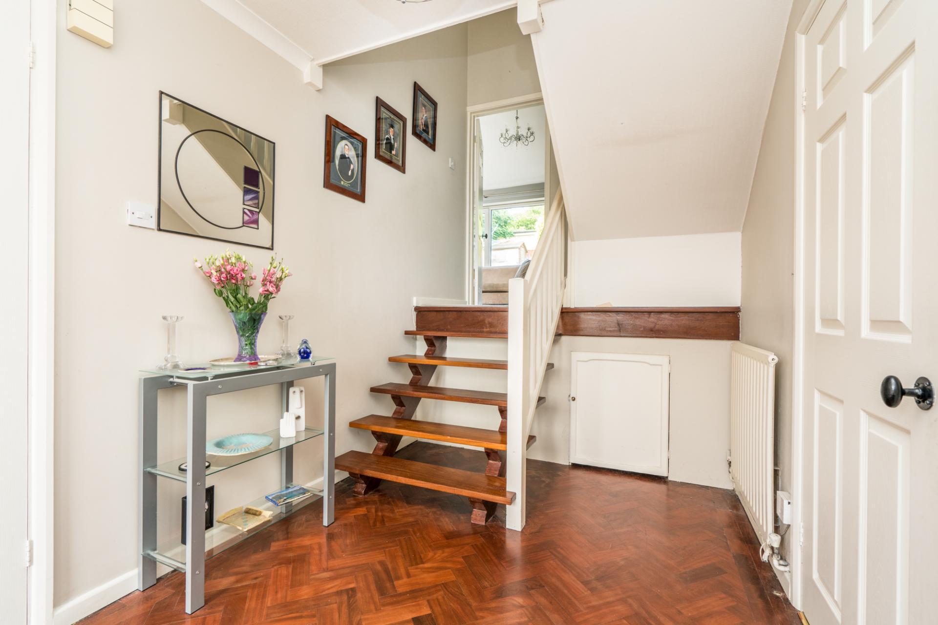 3 bedroom house for sale in st albans. Black Bedroom Furniture Sets. Home Design Ideas