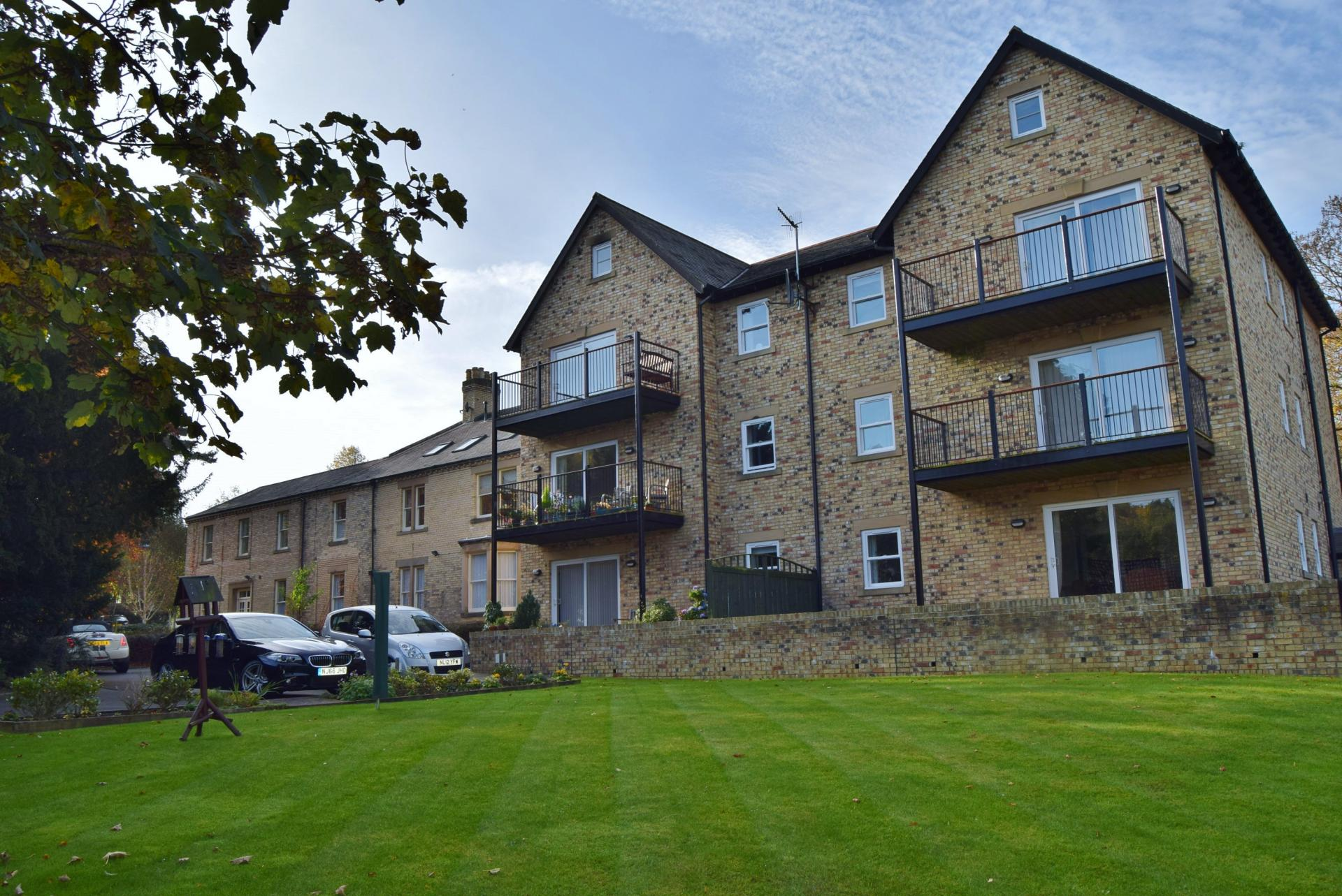 4 Bedrooms Studio Flat for sale in Holly Court, South Park, Hexham