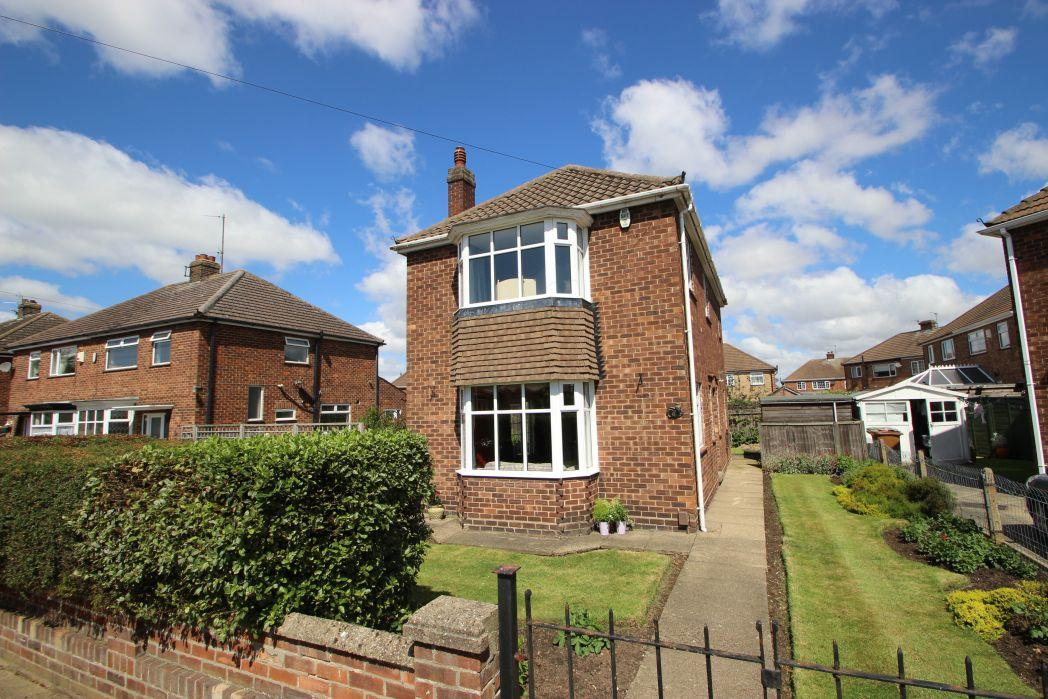 3 Bedrooms Detached House for sale in FROBISHER AVENUE, GRIMSBY