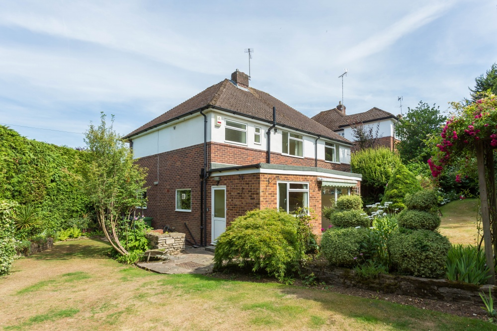 5 bedroom house for sale in chalfont st giles for Garage st gilles