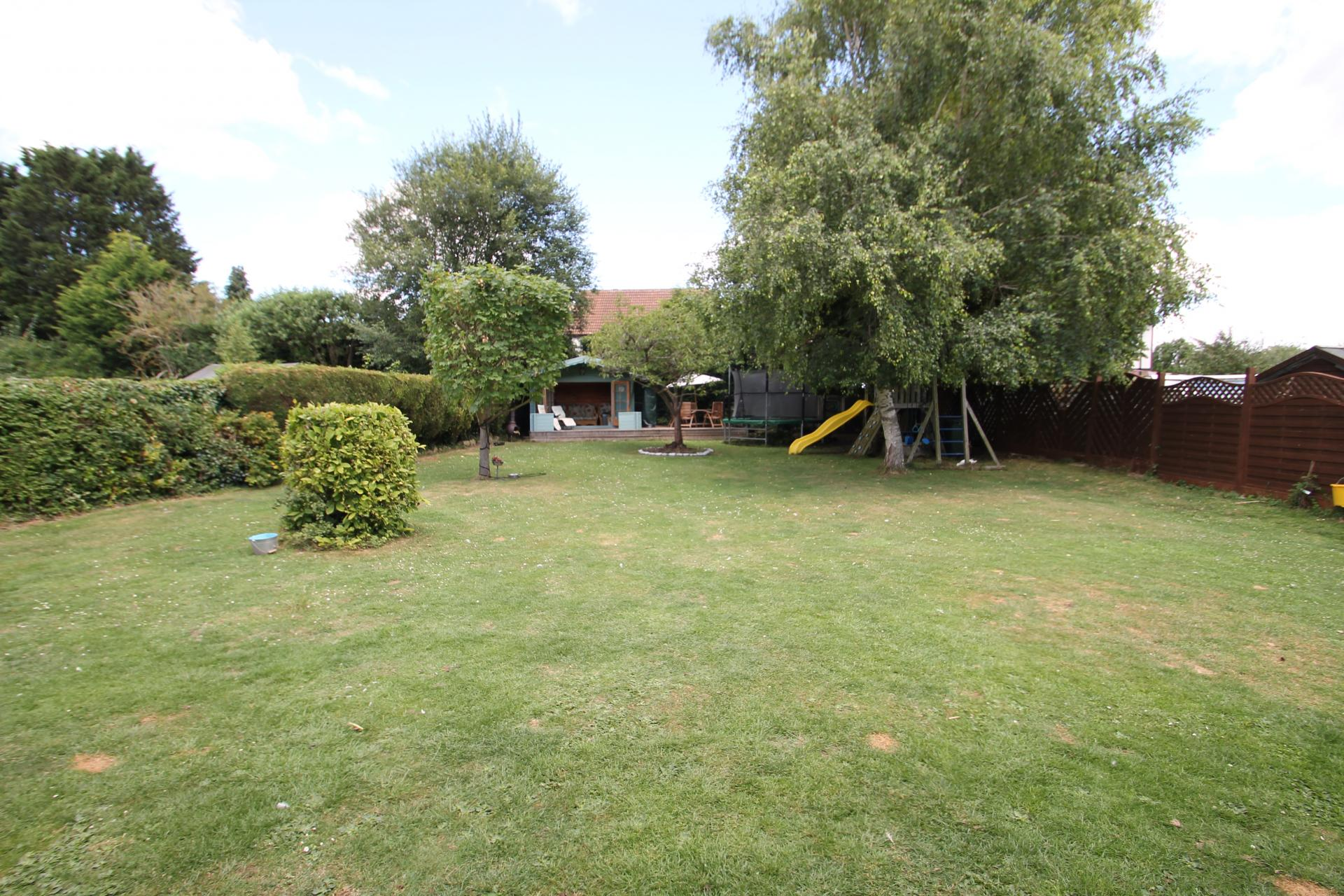 6 Bedroom House For Sale In Dunstable