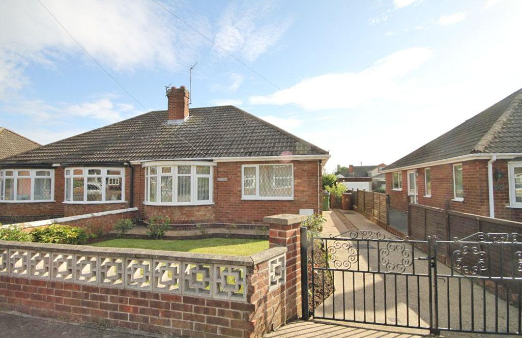 2 Bedrooms Bungalow for sale in EASTBOURNE WAY, SCARTHO, GRIMSBY