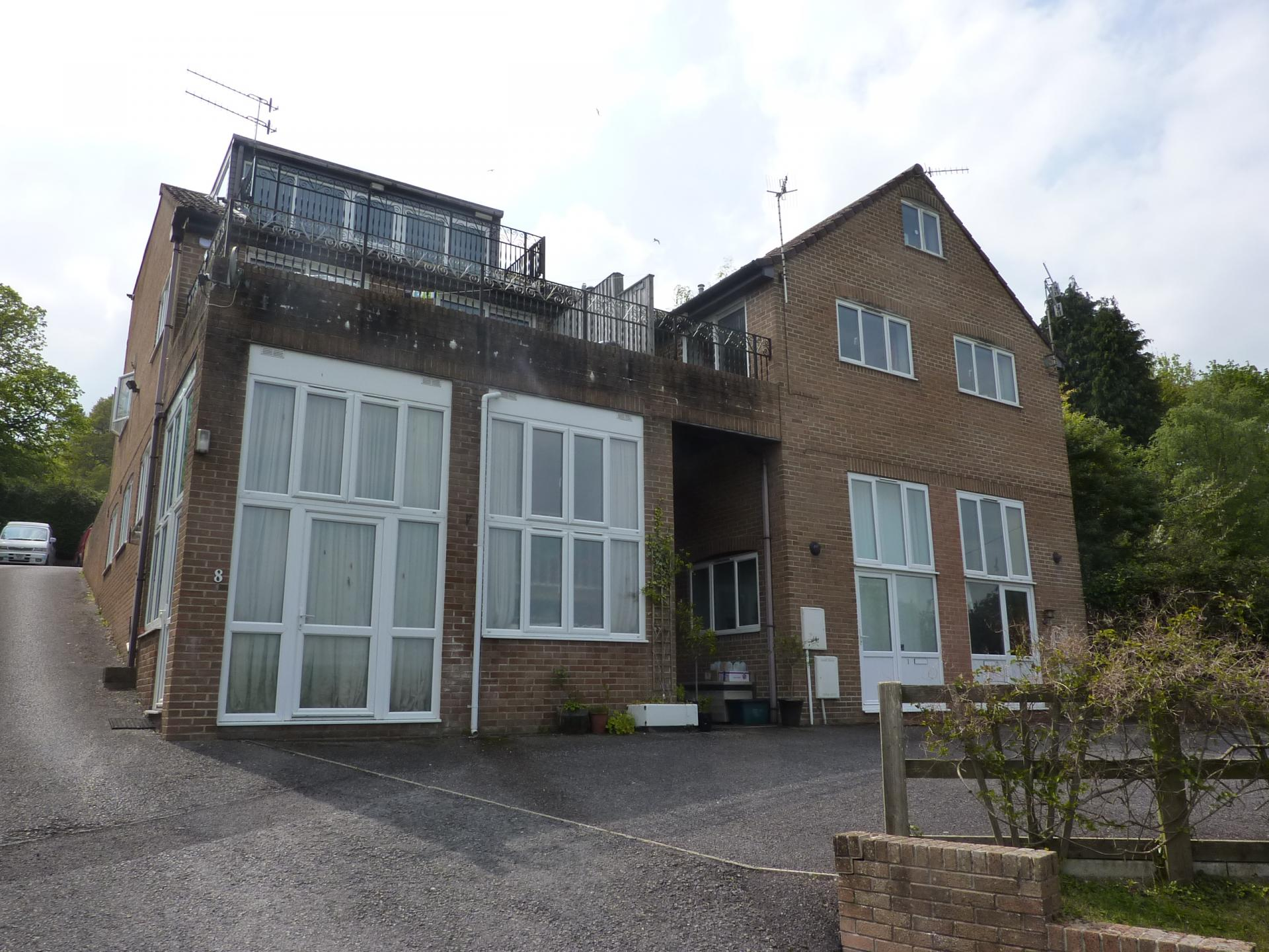 2 Bedrooms Flat for sale in Uplyme Road, Lyme Regis