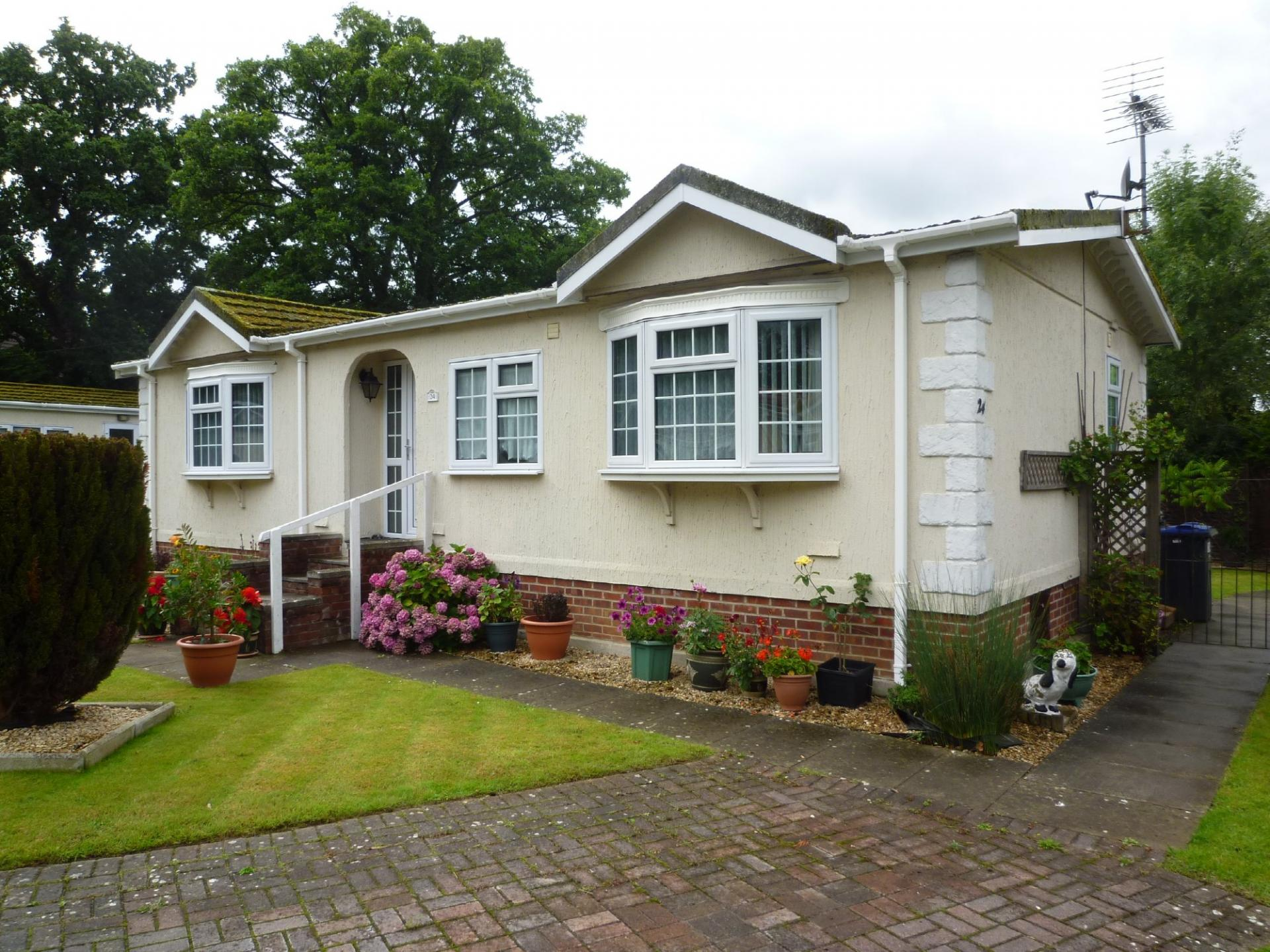 2 bedroom Mobile Home for sale in Trowbridge
