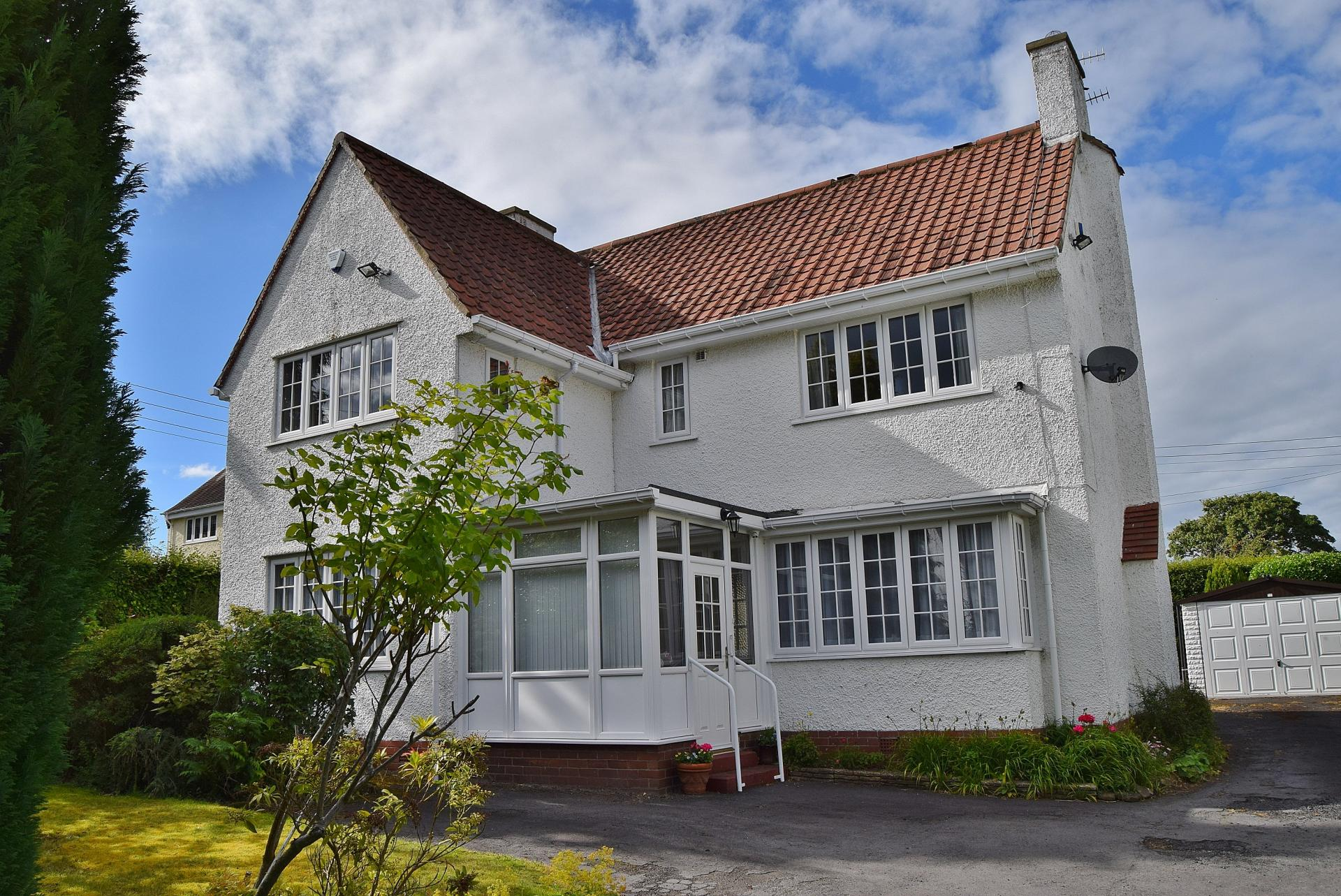 4 Bedrooms Detached House for sale in Causey Way, Hexham