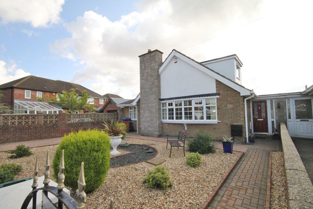 3 Bedrooms Detached House for sale in FILLINGHAM CRESCENT, CLETHORPES