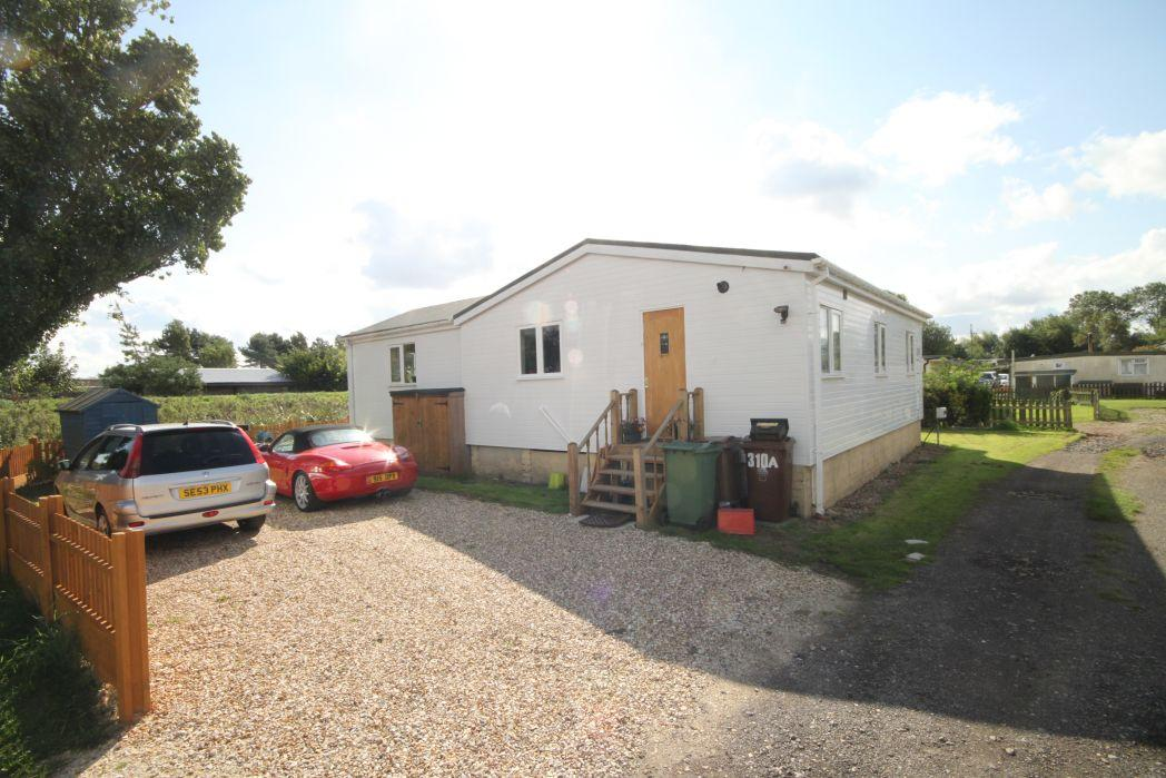 3 Bedrooms Bungalow for sale in MAIN ROAD, HUMBERSTON FITTIES