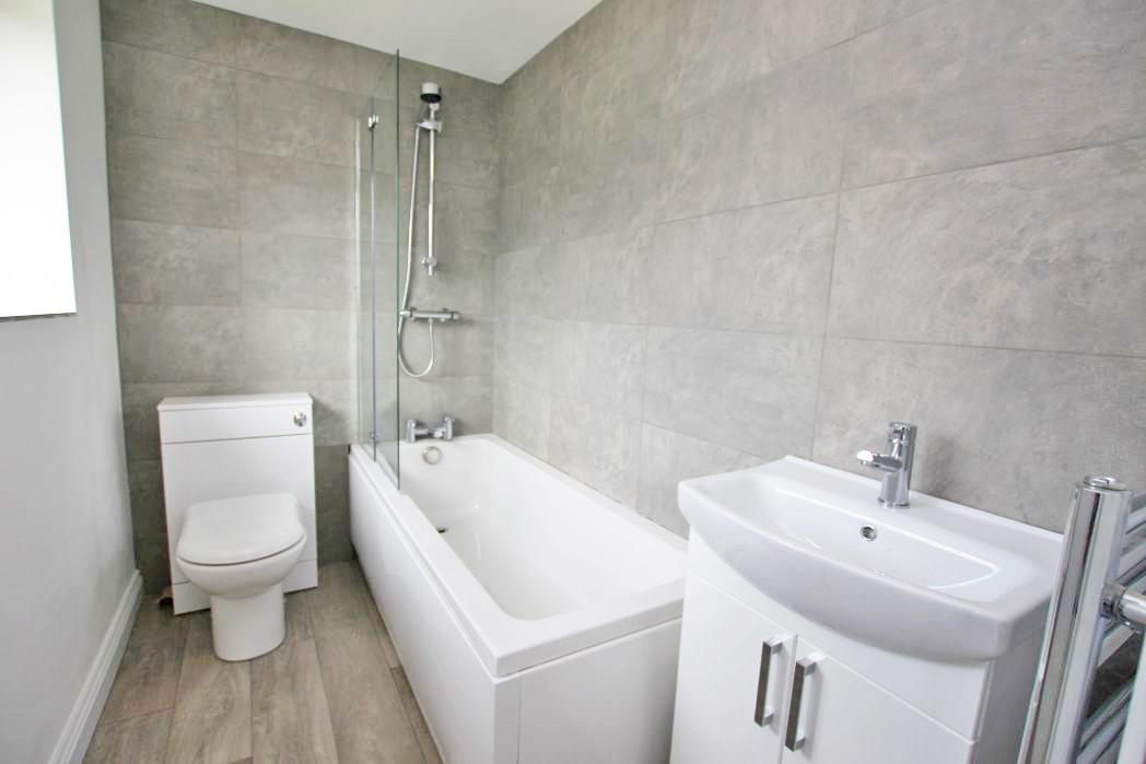 3 Bedrooms Semi Detached House for sale in HOLME AVENUE, NEW WALTHAM
