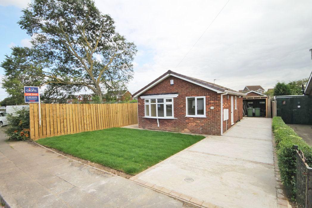 2 Bedrooms Bungalow for sale in HOYLAKE DRIVE, IMMINGHAM