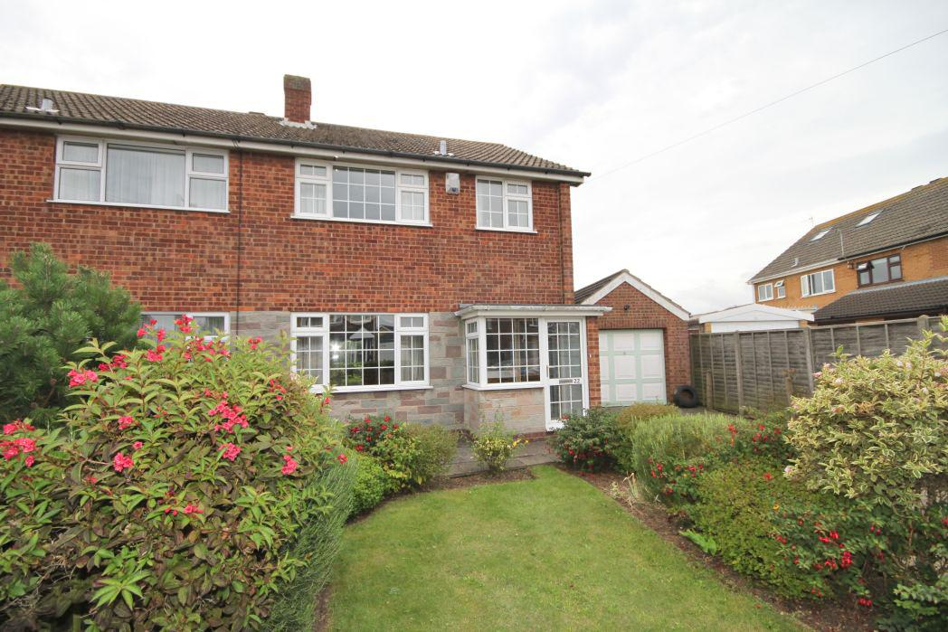 3 Bedrooms Semi Detached House for sale in MIDDLETHORPE ROAD, CLEETHORPES