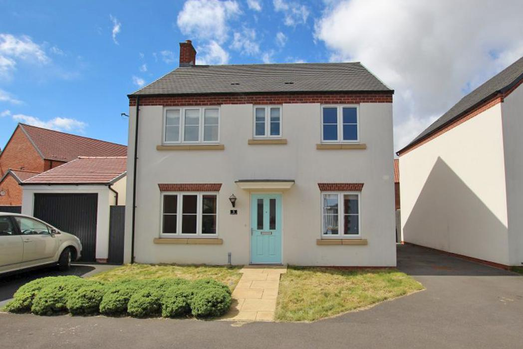 4 Bedrooms Detached House for sale in SEAL CRESCENT, NEW WALTHAM
